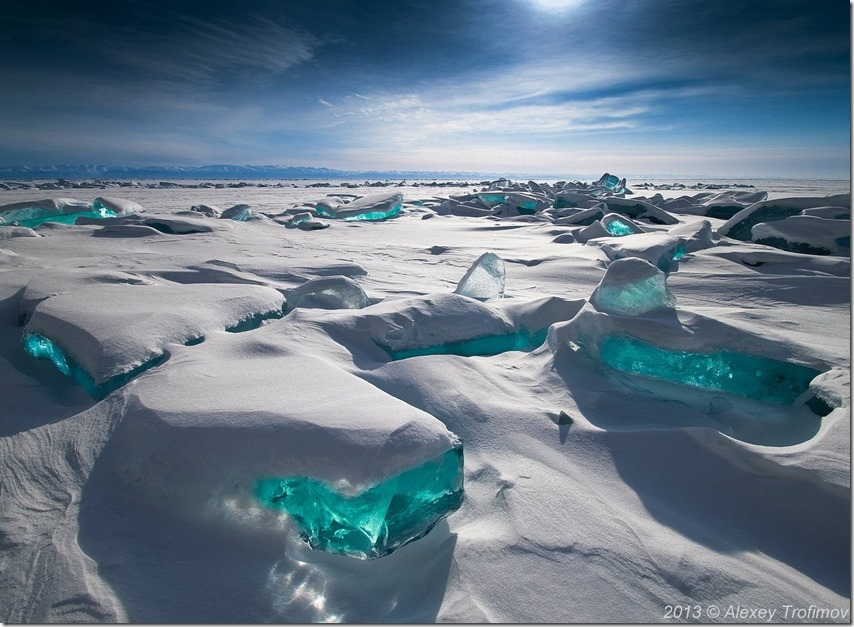 turquoise-ice-northern-lake-baikal_thumb